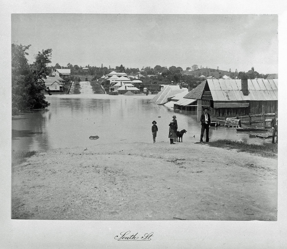 South Street in flood, Ipswich, 1893 - Image courtesy of Picture Ipswich