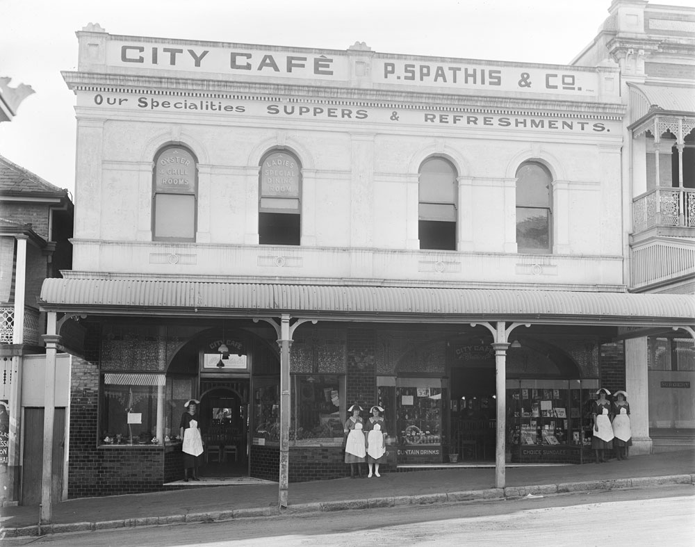 Staff outside the City Cafe, Ipswich, 1920s - Image courtesy of Picture Ipswich